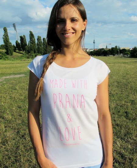 T-Shirt MADE WITH PRANA AND LOVE
